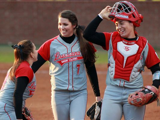 UL Softball_52426