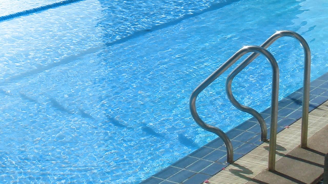 swimming pool generic_198638