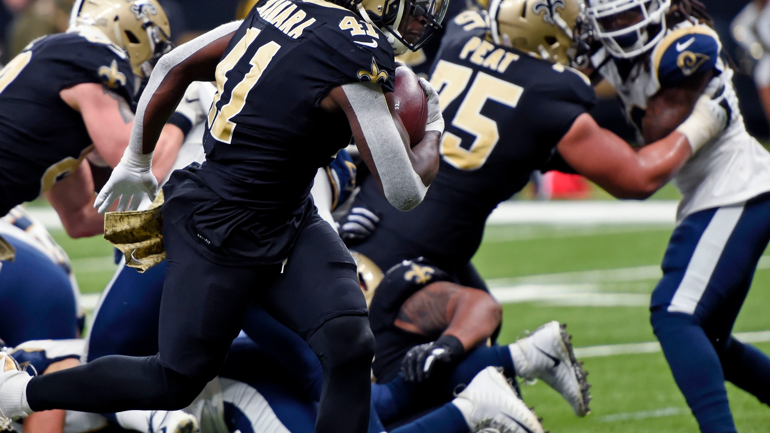 Rams_Saints_Football_06811-159532.jpg98421100