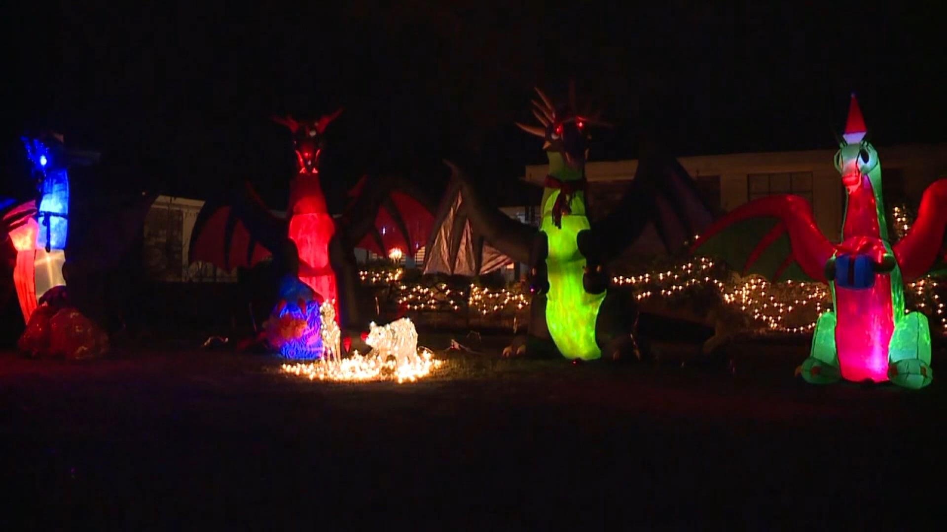 christmas+dragon+display_1545256646745.jpg