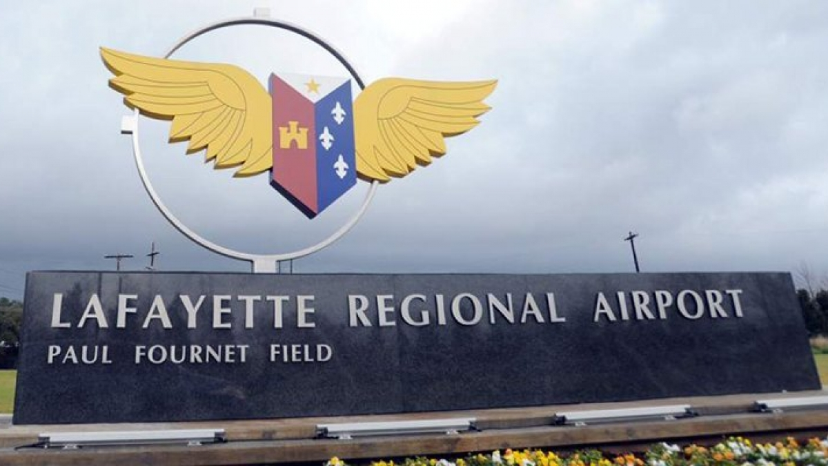 lafayette regional airport_1557427008844.jpg.jpg