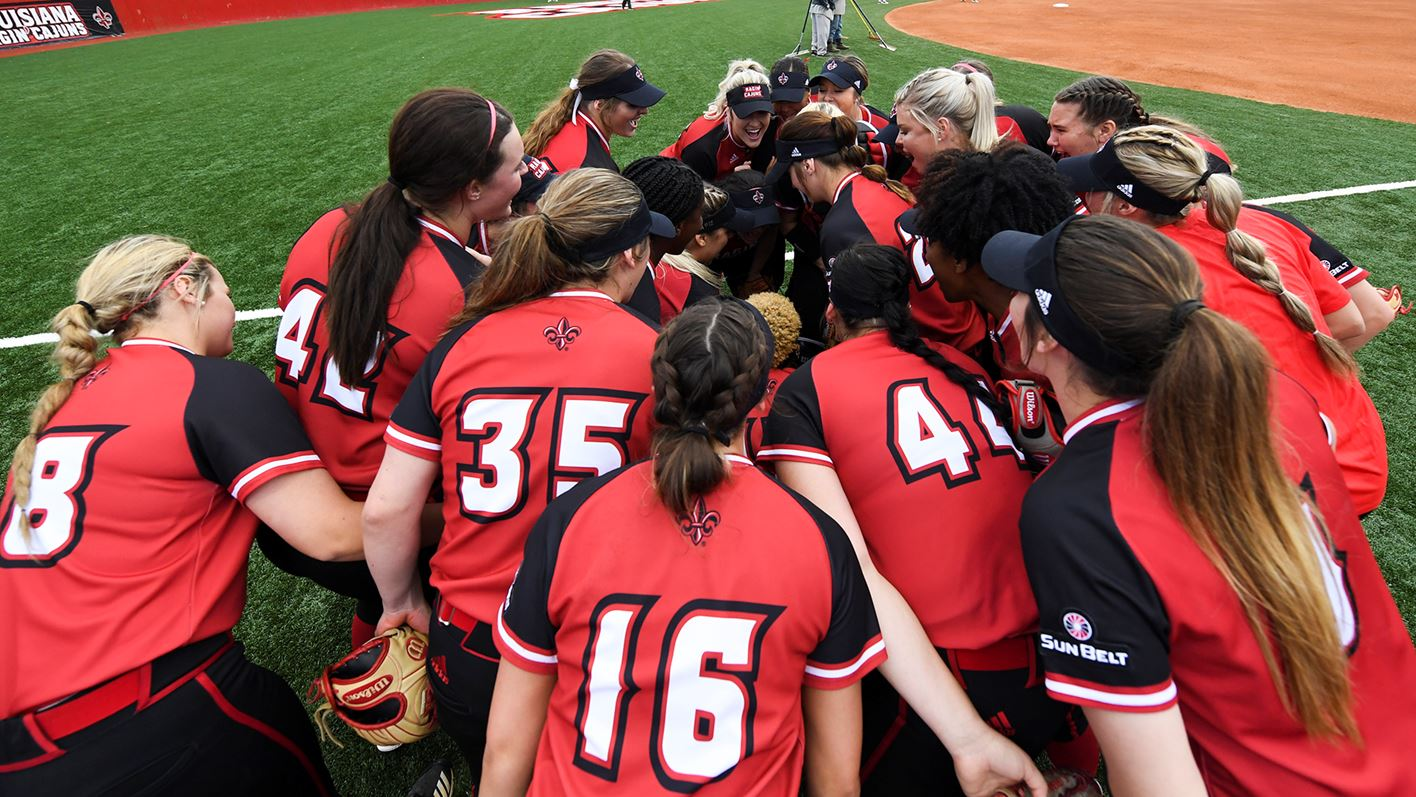 ul softball pic for ulm story_1556942410539.jpg.jpg