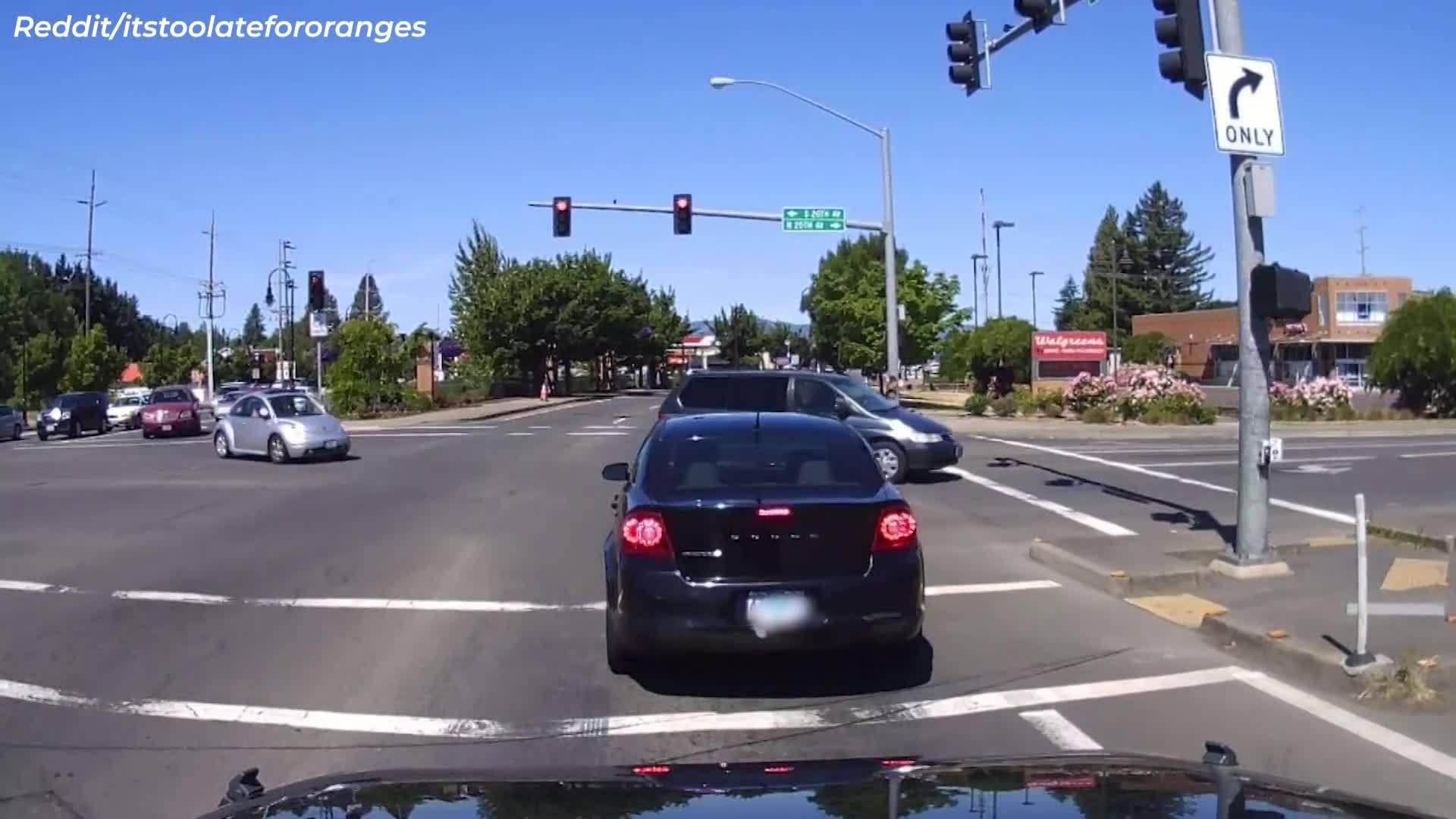 Watch__Dash_cam_shows_bad_Portland_drive_6_20190612202631-842137445