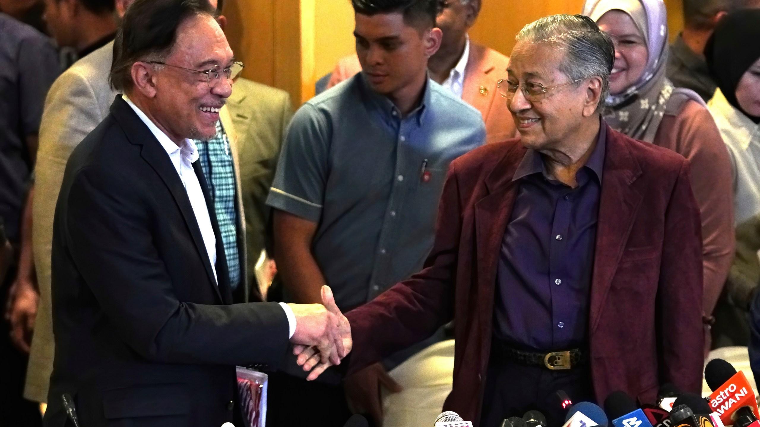 Mahathir Mohamad, Anwar Ibrahim