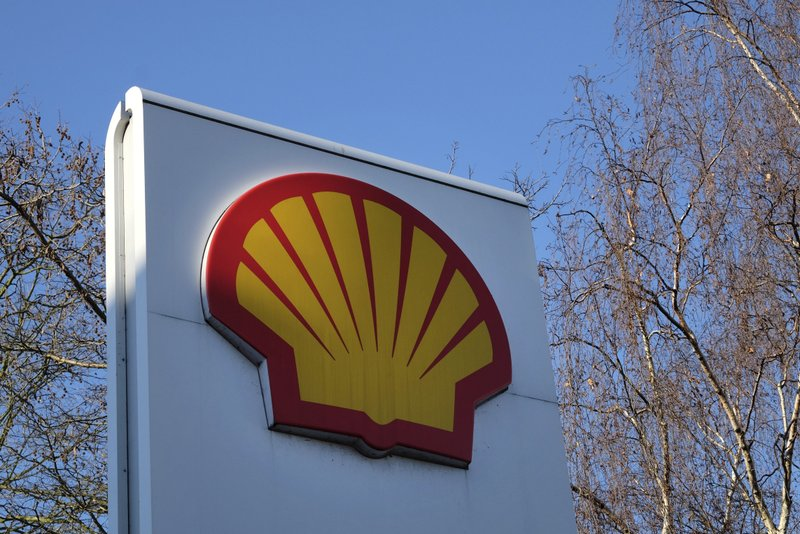 FILE - This Wednesday, Jan. 20, 2016 file photo, shows the Shell logo at a petrol station in London. Royal Dutch Shell said Wednesday Sept. 30, 2020, it is planning to cut between 7,000 and 9,000 jobs worldwide by the end of 2022 following a collapse in demand for oil and a subsequent slide in oil prices during the coronavirus pandemic. (AP Photo/Kirsty Wigglesworth, File)