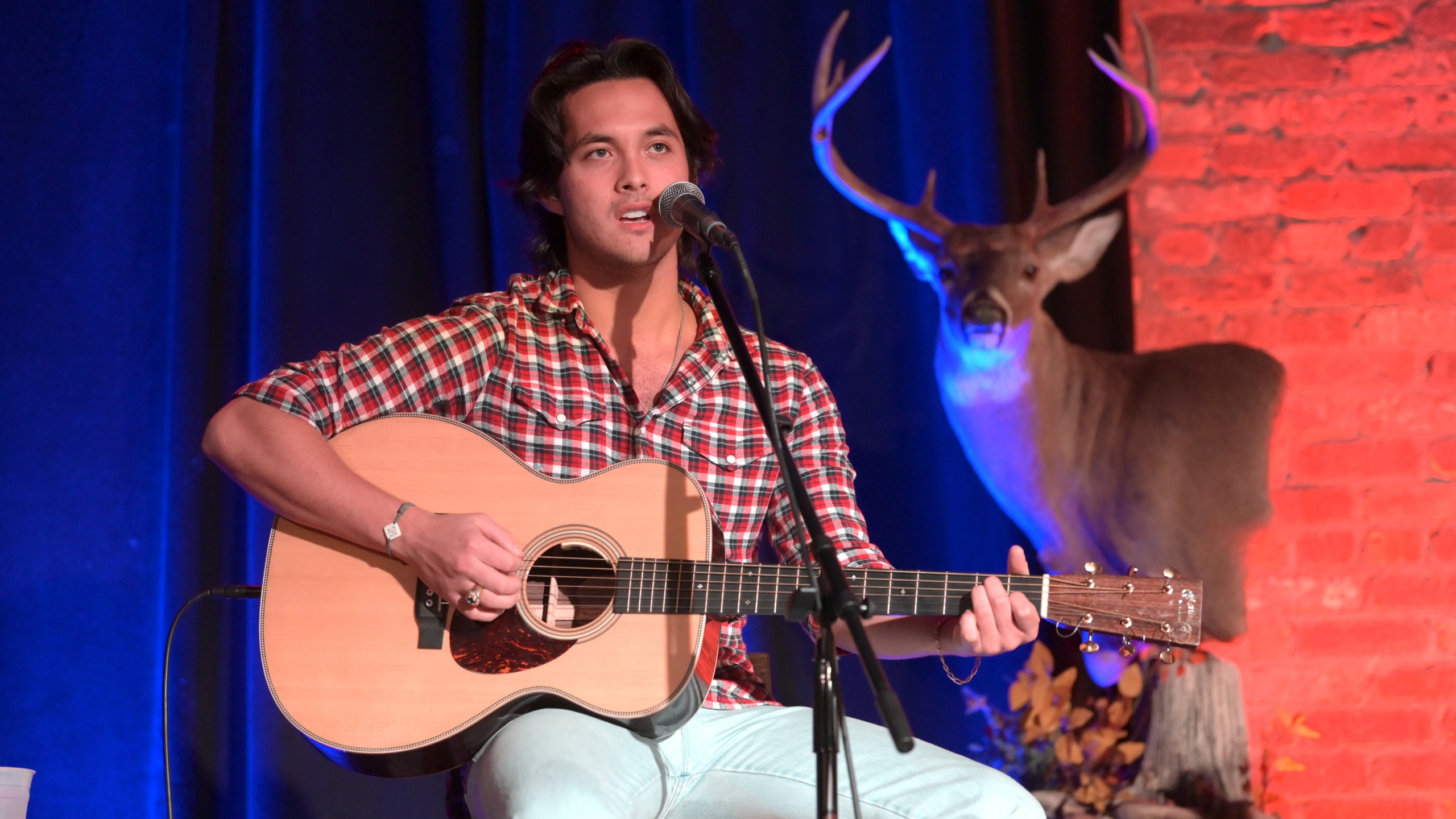 NASHVILLE, TENNESSEE - OCTOBER 06: Singer & songwriter Laine Hardy performs during Country Outdoors Writers Round at The Listening Room Cafe on October 06, 2020 in Nashville, Tennessee. (Photo by Jason Kempin/Getty Images)